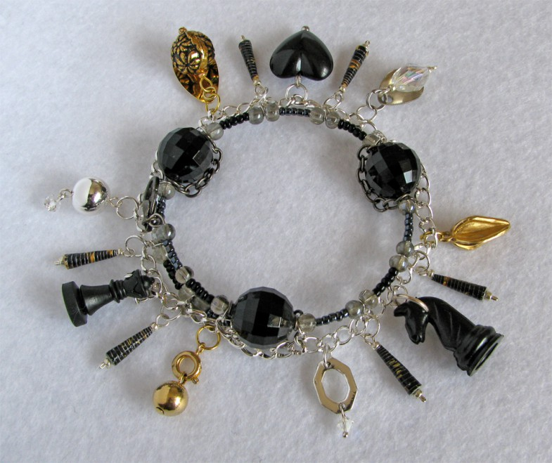 bracelet with recycled materials