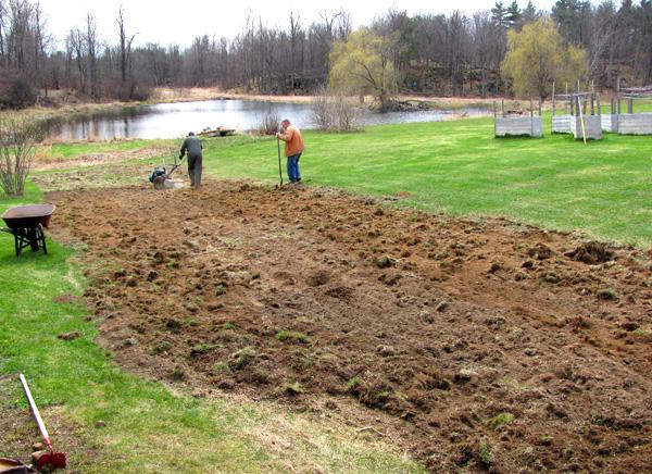 farm--spring-2016-garden-larry-john-turning-sod-IMG_3505