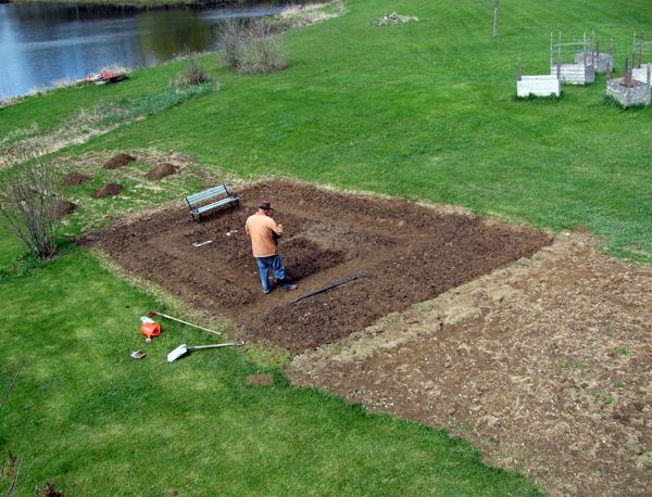 larry-bench-garden-starting-IMG_3514